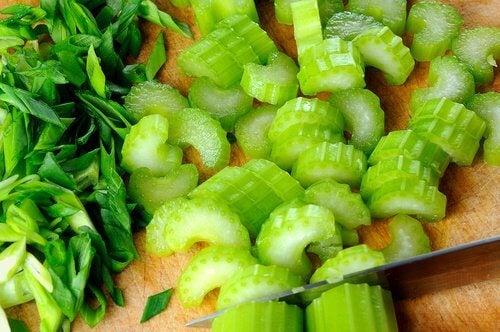 aliments pour brûler rapidement la graisse abdominale : céleri