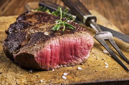 Eviter la viande quand on souffre de douleurs articulaires.