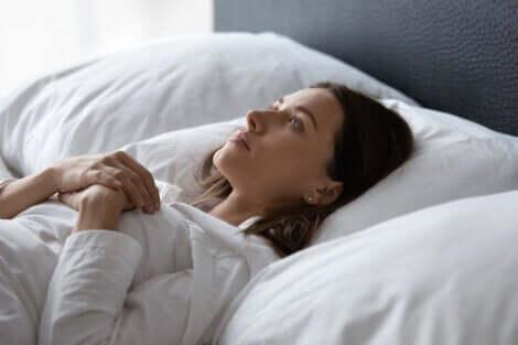 Paralysie du sommeil et sommeil profond