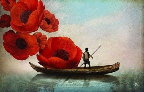 Bateau-fleurs-representant-le-passe-500x319