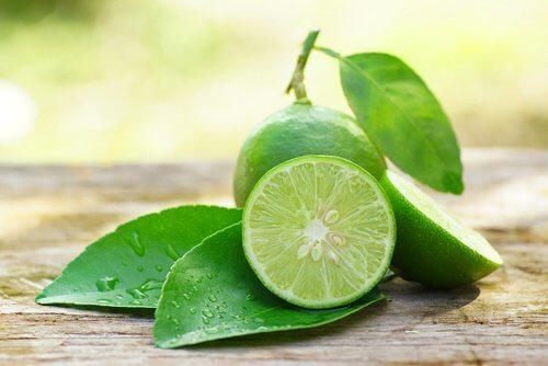 citron pour atténuer les taches du visage