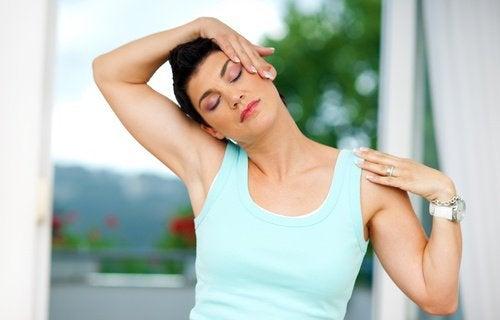 Meilleurs exercices contre le stress : détendre le cou.