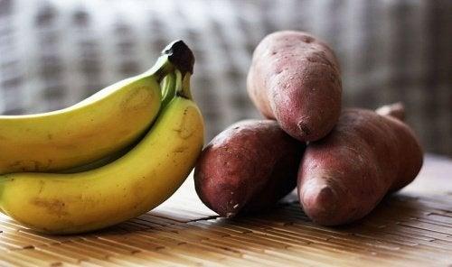 Bananes et pommes de terre