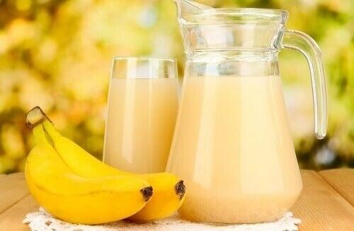 Jus banane et pomme de terre contre les ulcères à l'estomac