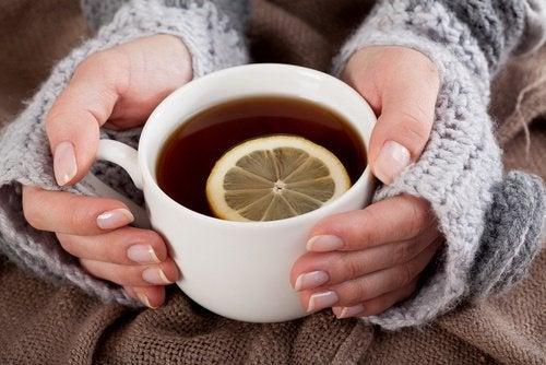 Comment préparer une limonade au curcuma pour combattre la dépression