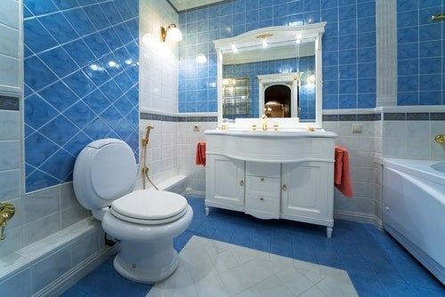13 id es int ressantes pour d corer une petite salle de for Decorer salle de bain