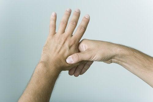 Les doigts pour éliminer le stress.