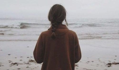 Femme-sur-la-plage