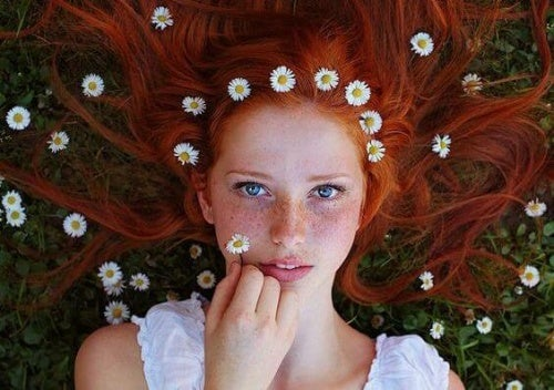 Fille-rousse