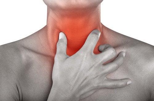 le bicarbonate, remède pour les maux de gorge