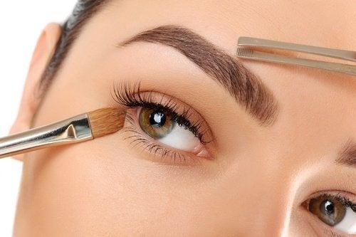 10 conseils pour des sourcils parfaits !