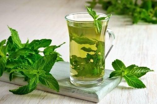 5 thés extraordinaires pour perdre du poids facilement