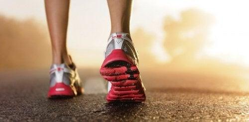 7-conseils-pour-bien-choisir-vos-chaussures-de-course-500x246