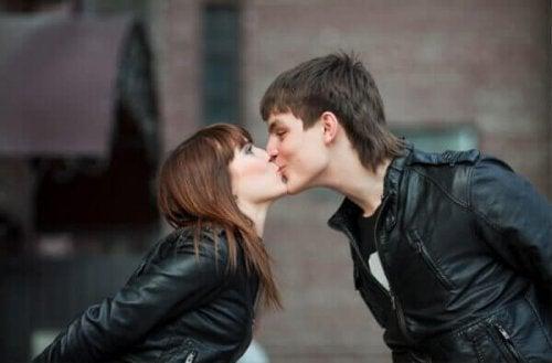 Baiser d'un couple