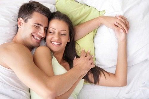 Certaines-coupes-menstruelles-permettent-de-faire-l'amour-sans-probleme-500x332