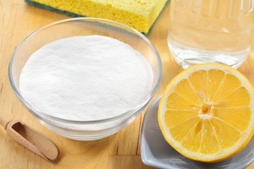 Desinfectant-vinaigre-bicarbonate-de-soude-et-citron-500x333