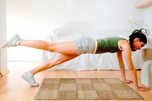 Exercices-pour-tonifier-les-jambes-500x333