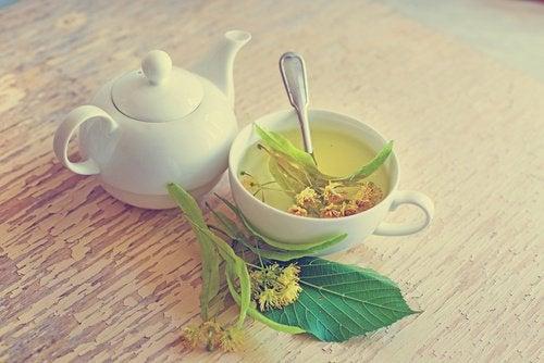 herbes pour lutter contre l'insomnie : le tilleul