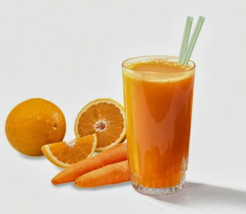 Smoothie à l'orange et à la carotte.