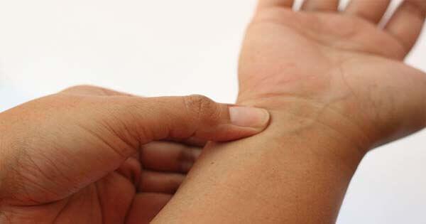Traitements naturel pour les mains et poignets douloureux
