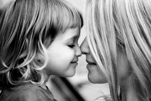 Nourrissez les enfants d'amour et leurs peurs mourront de faim