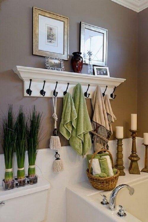Porte-serviettes avec étagère