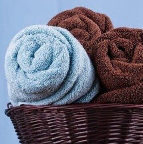serviettes enroulées