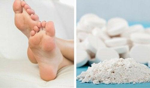 une astuce simple pour liminer les cors aux pieds avec de l 39 aspirine am liore ta sant. Black Bedroom Furniture Sets. Home Design Ideas