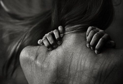 femme-souffrant