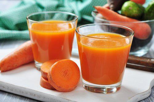 Le jus de carottes pour la santé.
