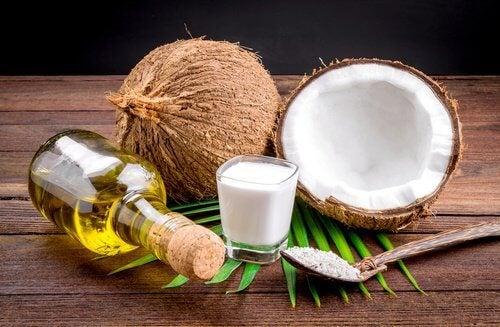 lait de coco et citron pour lisser vos cheveux