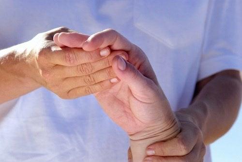 L'arthrite peut être traitée.