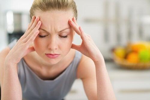 mâchoire et mal de tête