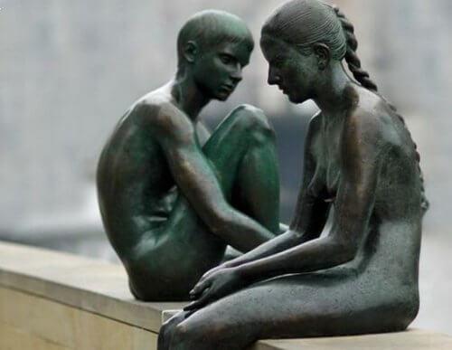 Les grands frères et sœurs aiment d'un amour inconditionnel.