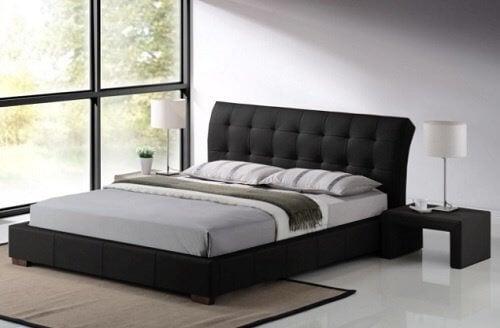 lit et oreiller qui endommagent le cou