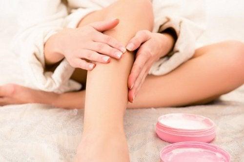 Reduire-douleur-des-jambes-500x333