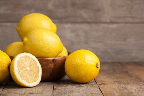citrons sur une table