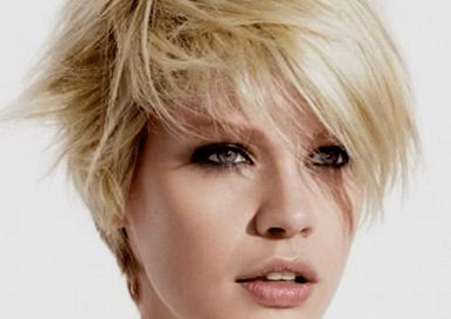 Conseils pour paraître plus jeune grâce à vos cheveux