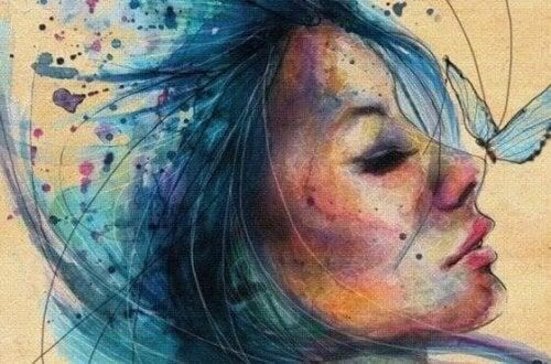 Femme-cheveux-bleus-500x330