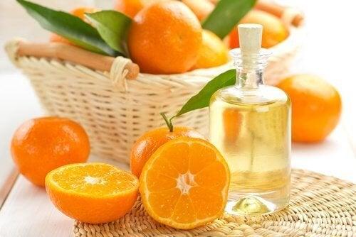 huile-essentielle-de-mandarine-500x334