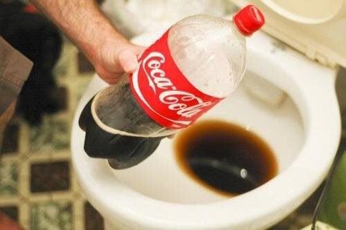 8 usages pratiques et m connus du coca cola am liore ta sant. Black Bedroom Furniture Sets. Home Design Ideas