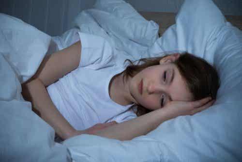 Transpiration nocturne : 5 causes dont il faut tenir compte