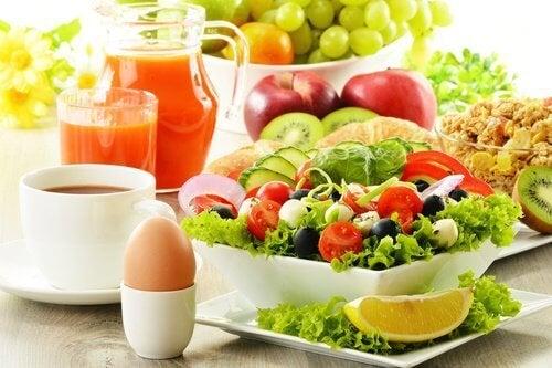 Préparez des salades qui vous aident à perdre du poids et vous rassasient