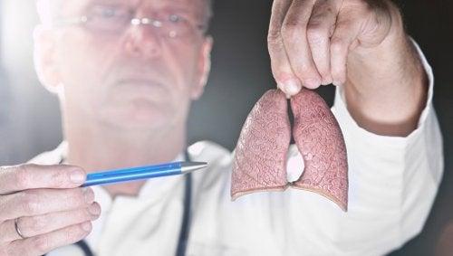 """Une découverte sur le """"point faible"""" du cancer du poumon"""