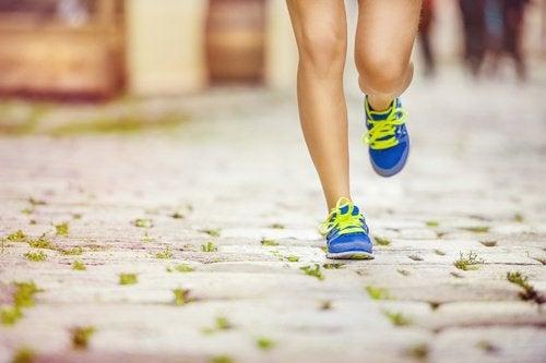 combattre le cellulite naturellement : faites de l'exercice