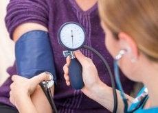 remedes-naturels-pour-controler-lhypertension-500x334