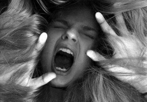 cheveux-colere-500x348