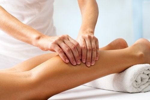 massage-huile-essentielle-500x334