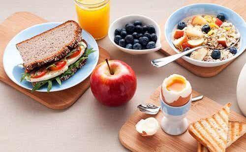 6 erreurs fréquentes que nous commettons au petit-déjeuner