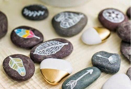 pierres-peintes_-2-500x339
